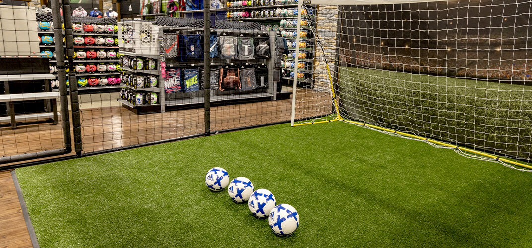 TRY OUT YOUR GEAR IN OUR TRIAL CAGE